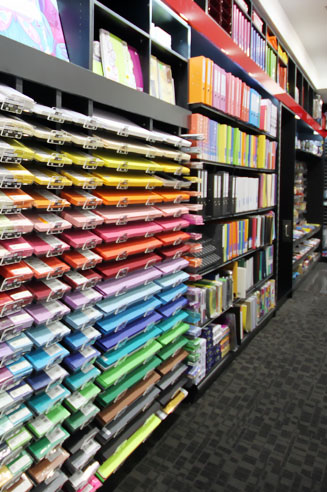 Carindale_Newsagency_shopfitting_stationery_section